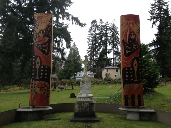 Chief Seattle gravestone and monument