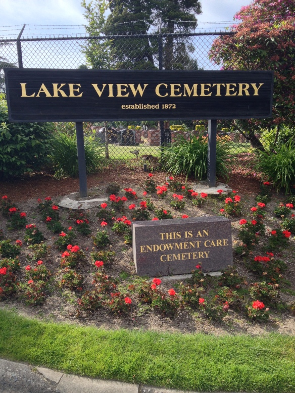 Lake View Cemetery Entrance at 1554 15th Avenue East, Seattle